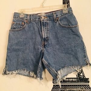 Vintage High waist Levi Shorts Size 6